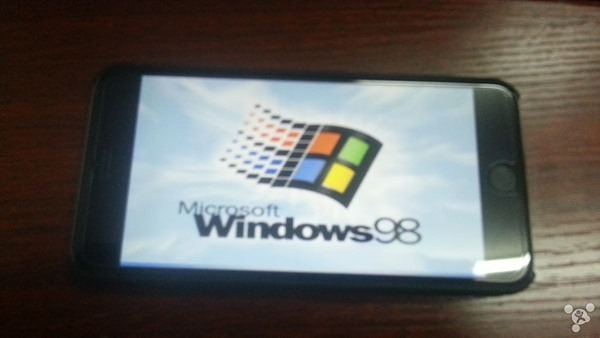 Installing Windows 98 on iPhone 6 Plus