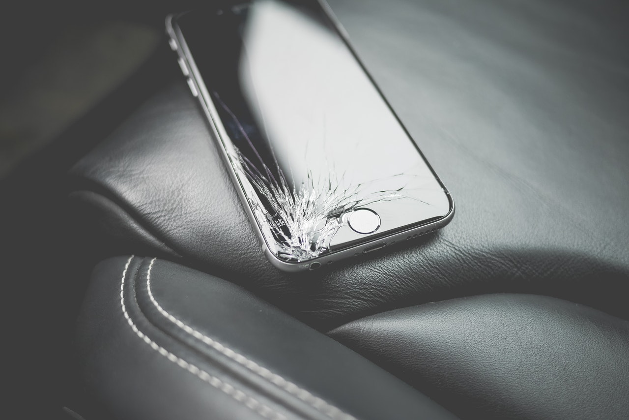 display screen can heal all by itself in case of crack